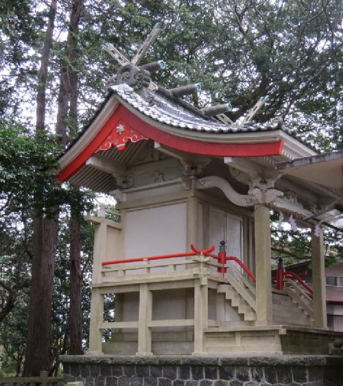 水神社神殿
