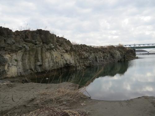 水神溶岩流下流