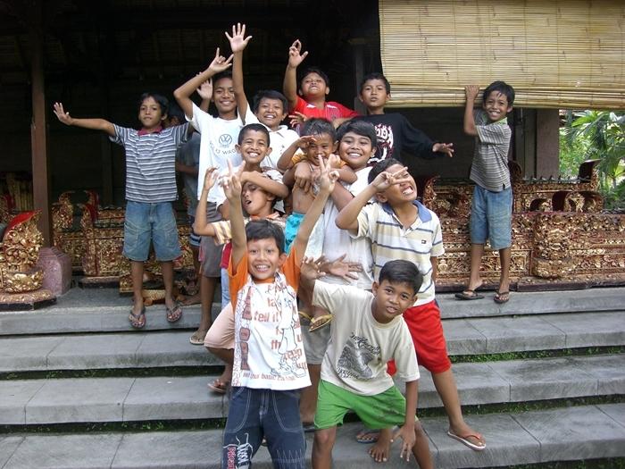 CIMG1416バリ島の子供たち