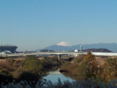 鶴見川 富士冬景色