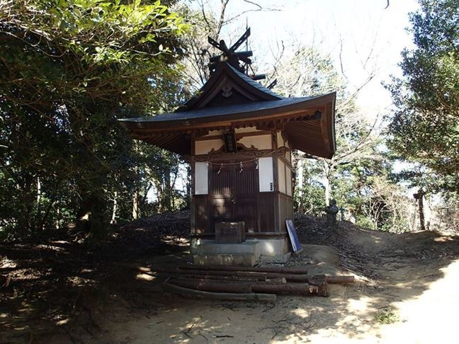q 白山神社