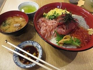 海鮮丼0228