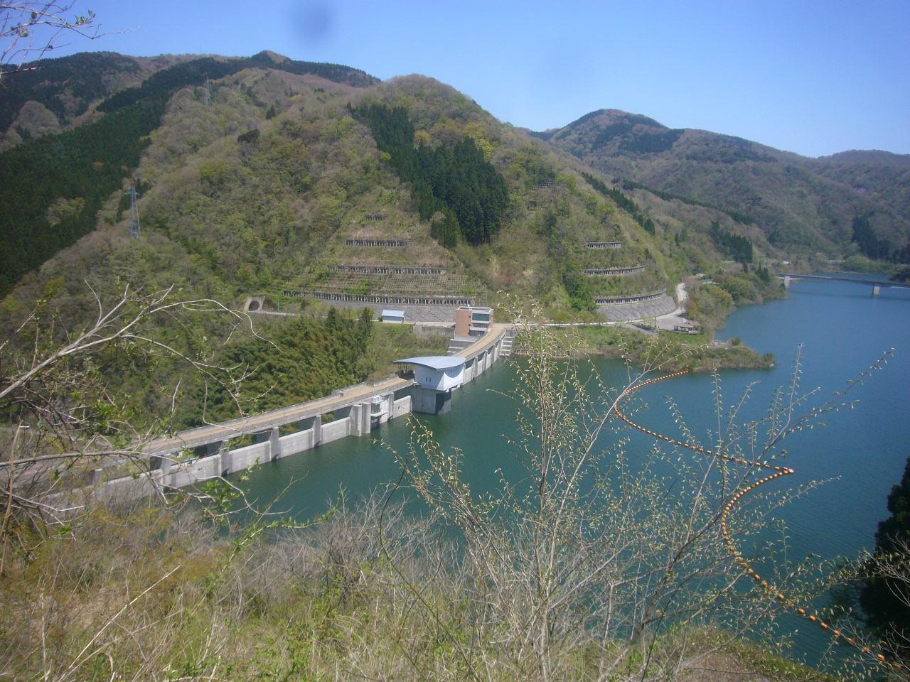 枯淵下山道から九谷ダム H29.4.24