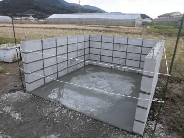 堆肥置き場のブロック積み6