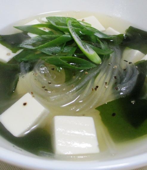 豆腐とマロニーのスープ B