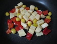 鶏もも肉と銀杏の炒め物 調理④