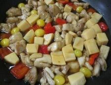鶏もも肉と銀杏の炒め物 調理⑤