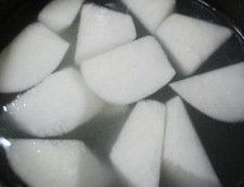 大根とベーコンのスープ煮 調理①