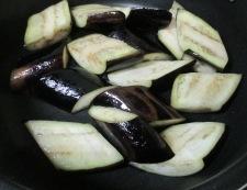 ナスと豚バラ肉の煮物 調理③