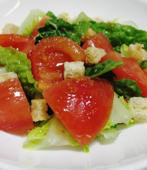 トマトとクルトンサラダ 大