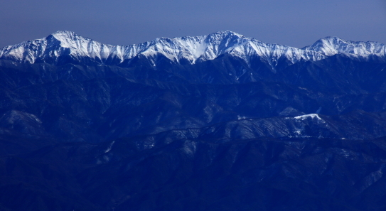 南アルプスの名峰・白峰三山