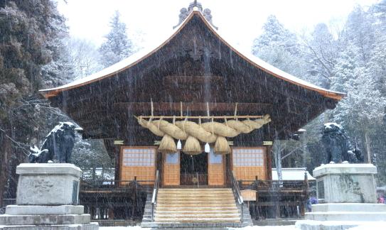 降雪の諏訪大社