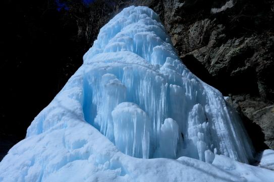 三滝山の氷瀑