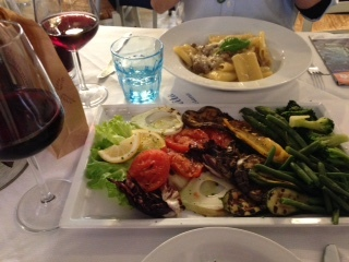 ボローニャ最初のレストラン