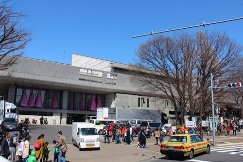 0077:東京文化会館 上野駅公園口から
