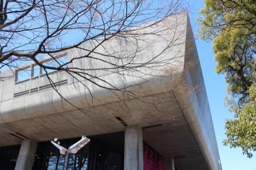 0077:東京文化会館 めくれ庇の角