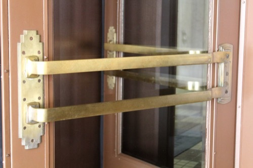 0233:神港ビルヂング 東玄関の手摺