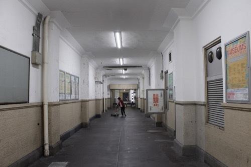 0240:JR兵庫駅舎 コンコース脇の通路