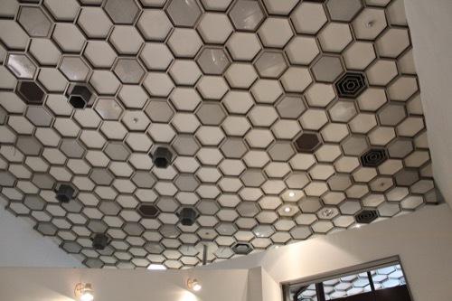 0241:ソニービル フロア最上部の天井①
