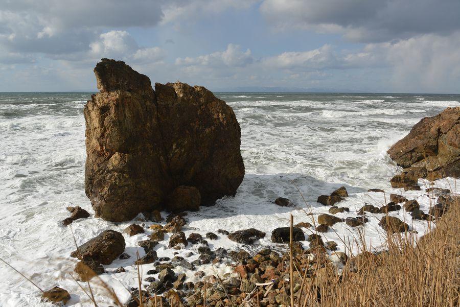 冬の日本海 泡立つ海-2