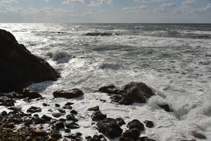 冬の日本海 泡立つ海-5