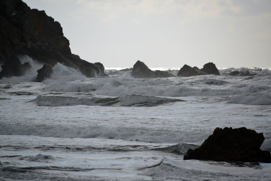 冬の日本海 打ち寄せる-6
