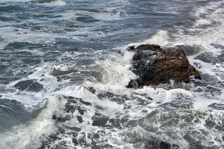 冬の日本海 打ち寄せる-5