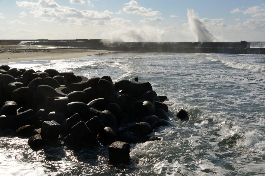防波堤の波-6