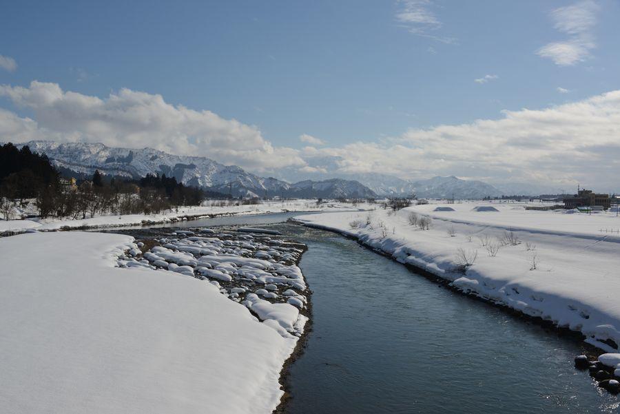 雪の魚野川-1