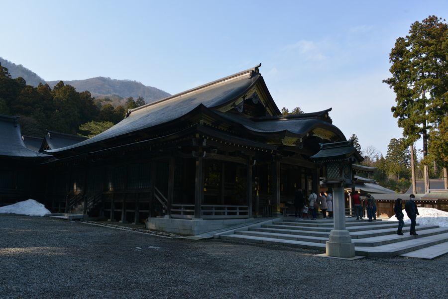 彼岸の弥彦神社-1