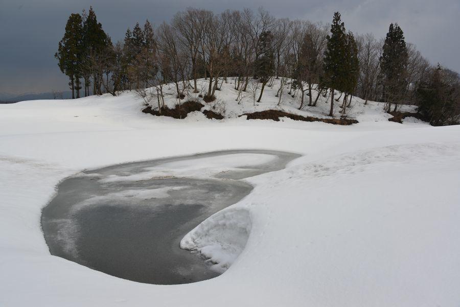 棚田の残雪-1
