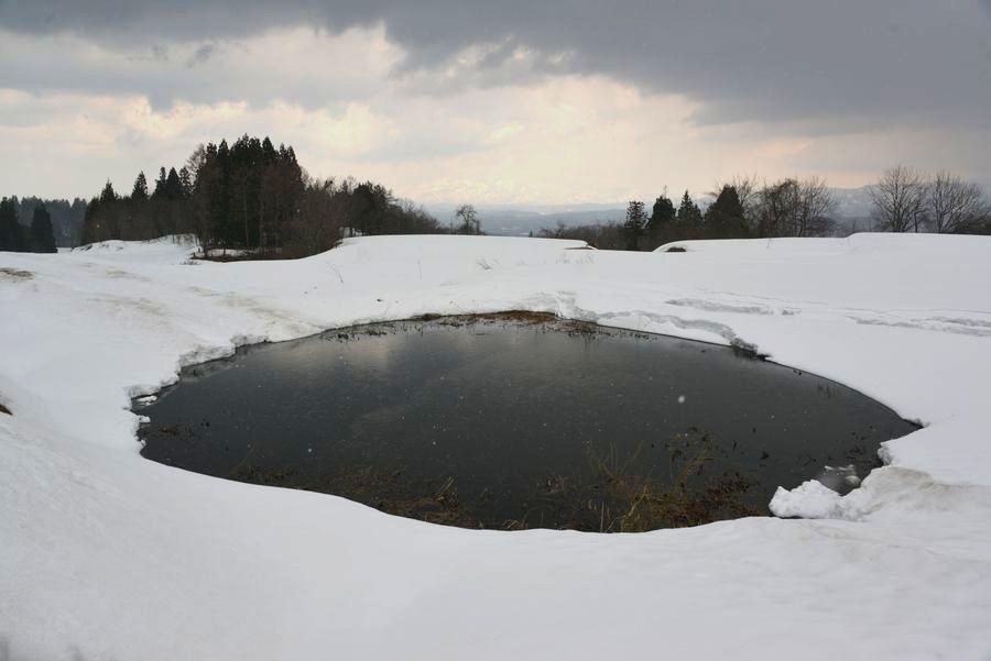 棚田の残雪-2