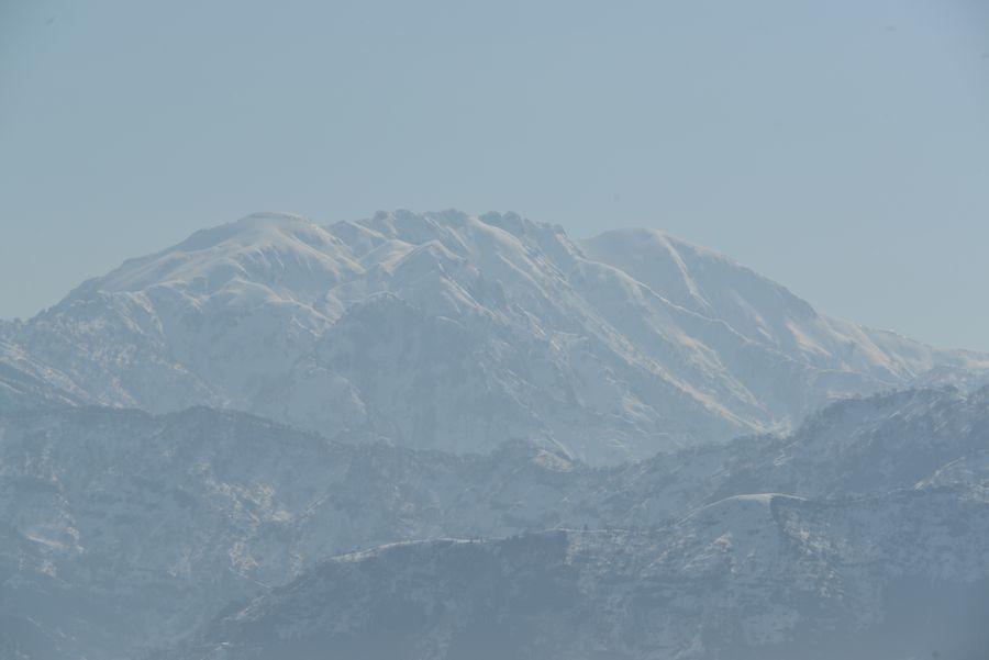 春先の八海山-2