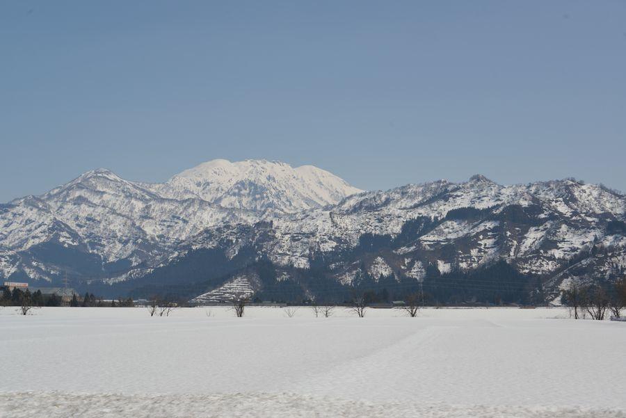 春先の八海山-3