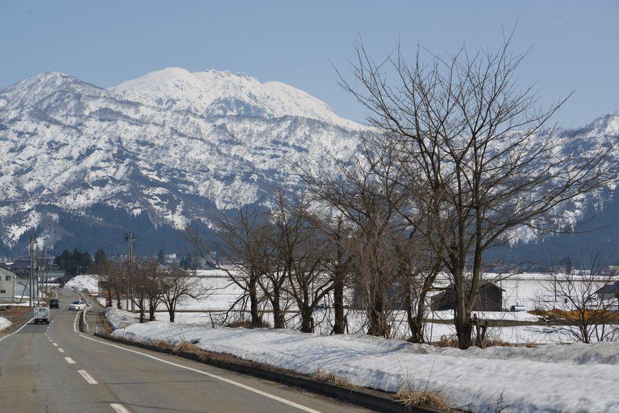 春先の八海山-5