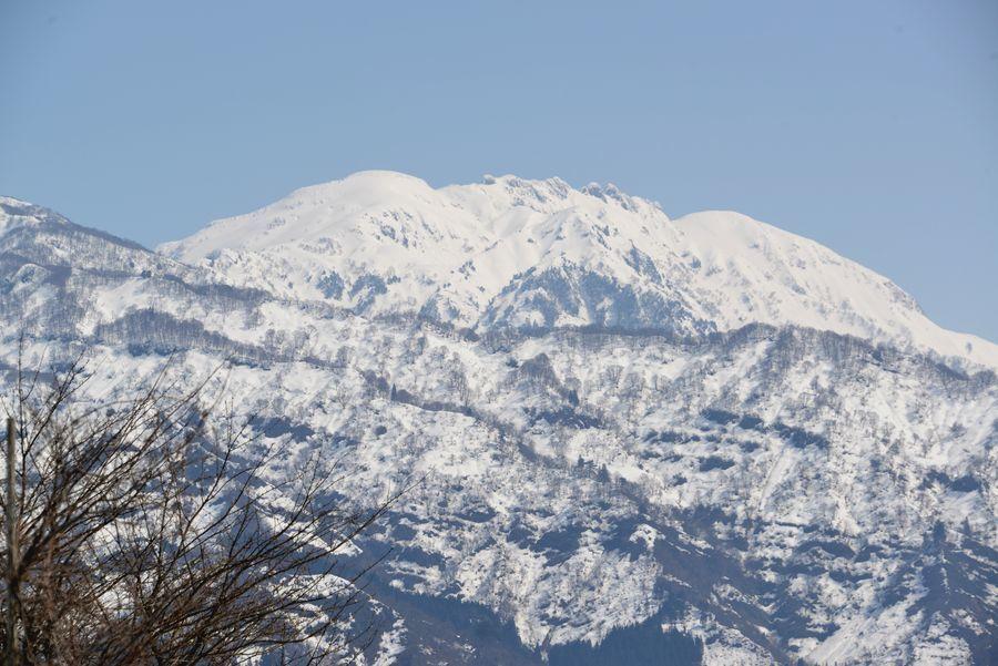 春先の八海山-6