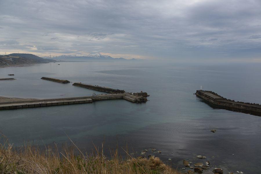 原発の見える海岸-3