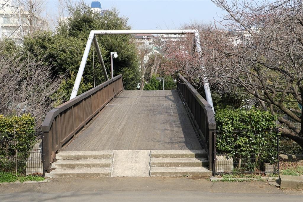 大岡山北地区に通じる橋_2