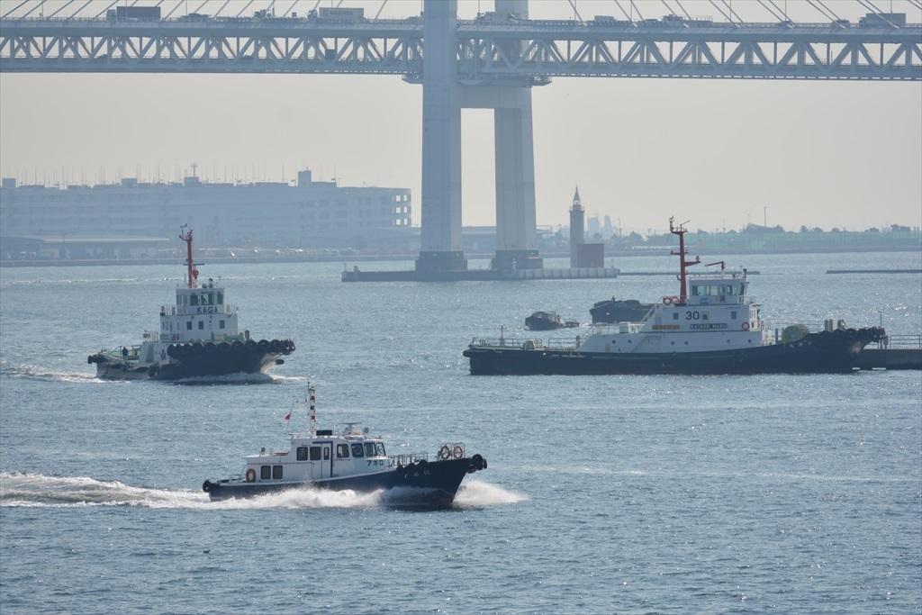 ベイブリッジと小型の船舶_4