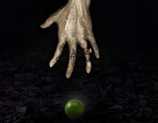 Mae Nak ghost take her hand to keep lime2