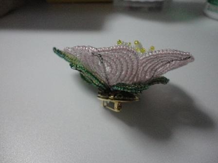 椿の小さ目の花ブローチ②