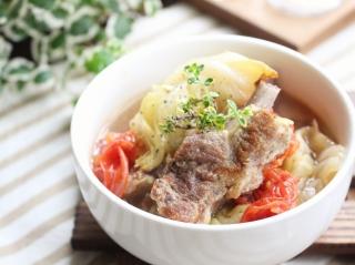 スペアリブと春キャベツのスープ