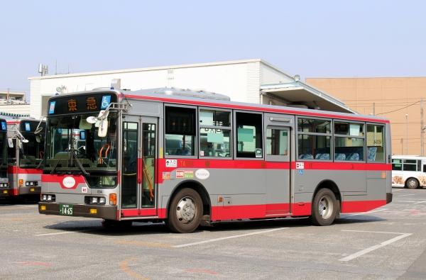 川崎200か1465 TA694