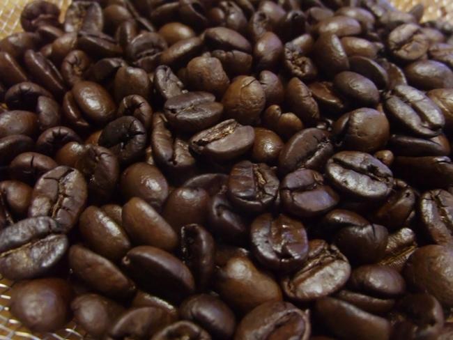 焙煎機いるいるで焙煎したコーヒー豆