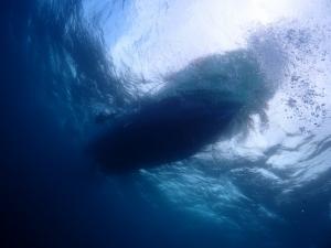 6ボート水面下