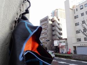 市川雨上がり (2)
