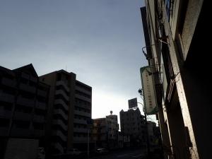 市川雨上がり (4)