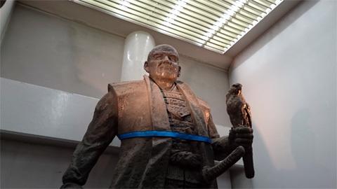 文化財資料館内 徳川家康の像