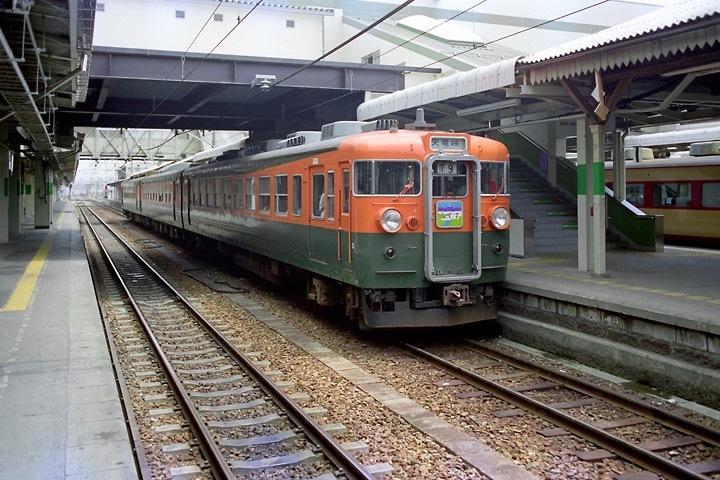 198708横川駅_特急あさま補機EF63連結_13