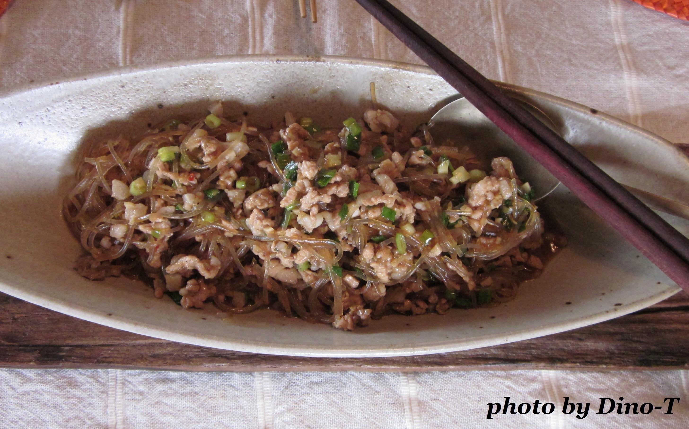 麻婆チャプチェ丼1